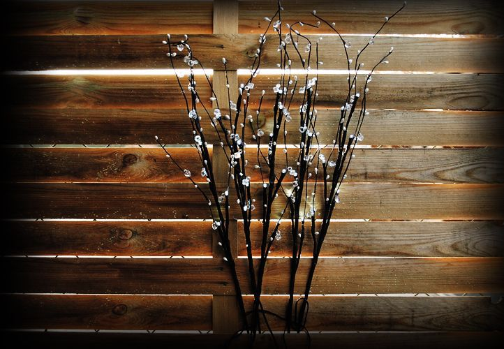 Dekoratívne LED osvetlenie s ozdobnými kamienkami