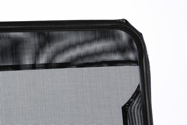 Záhradné ležadlo s čiernou textíliou - skladacie