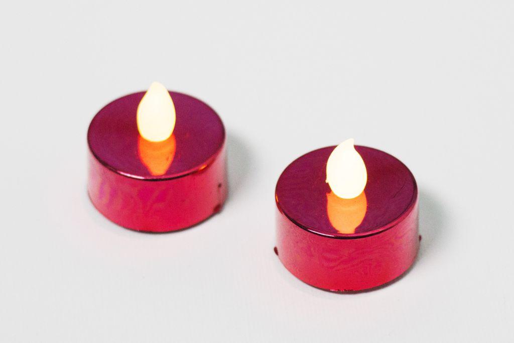 Dekoratívna sada - 2 čajové sviečky – červená