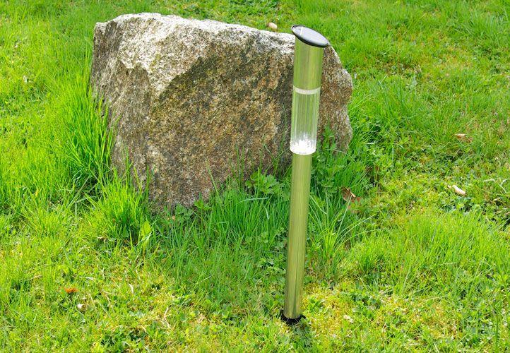 Záhradná solárna LED lampa z nerezovej ocele