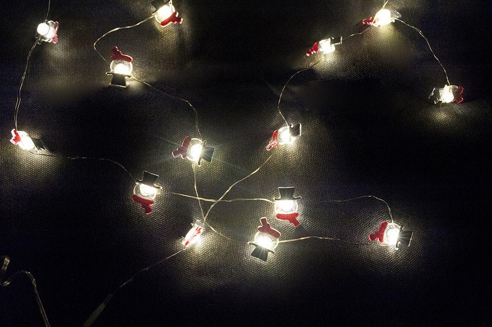Vianočná dekoratívna reťaz - snehuliaci - 20 LED teplá biela ... d97f6e9dabe