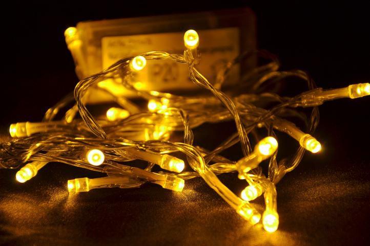 Vianočné LED osvetlenie 2 m - teplá biela, 20 diód