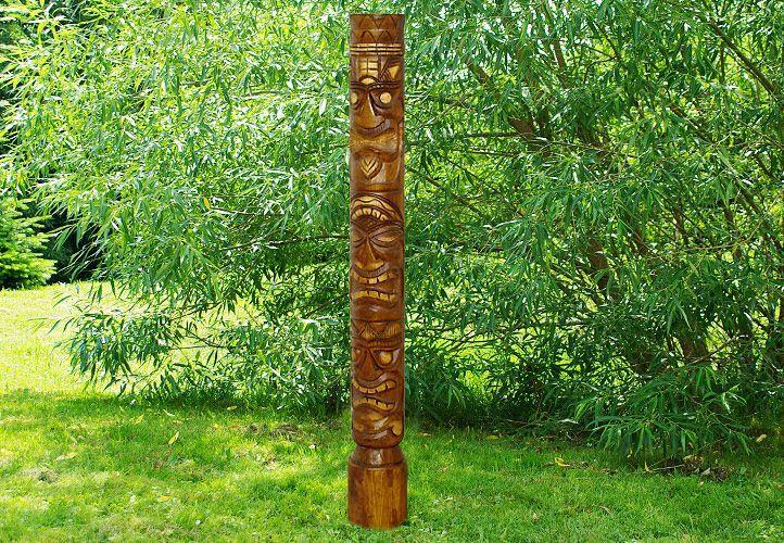 Drevený stĺp totem