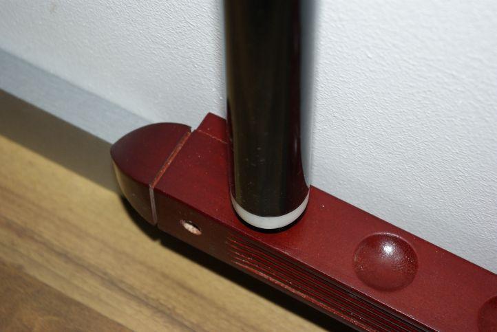 Biliardový držiak na tága - na 6 tág tmavé drevo 39 cm
