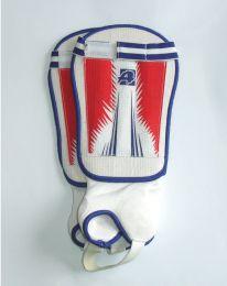 Futbalové plastové chrániče holení veľkosť L