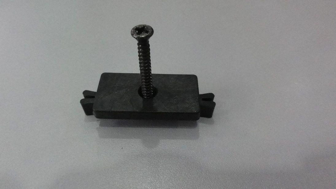 Príchytka terasovej dosky G21 k nosníku terasových dosiek
