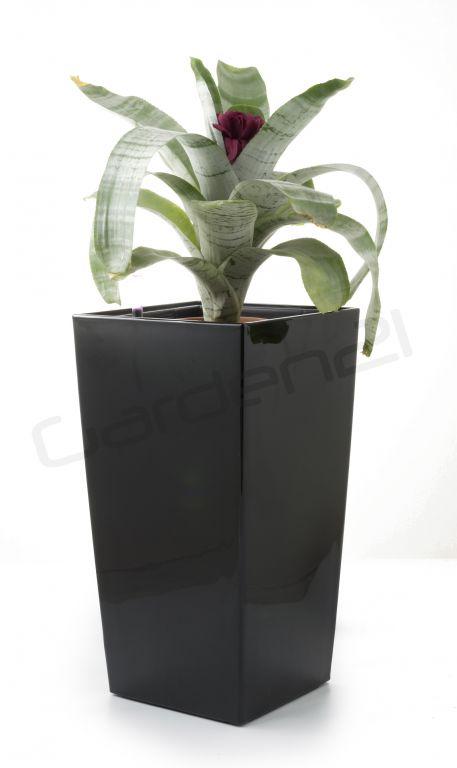 Samozavlažovací kvetináč G21 Linea small čierny 28cm