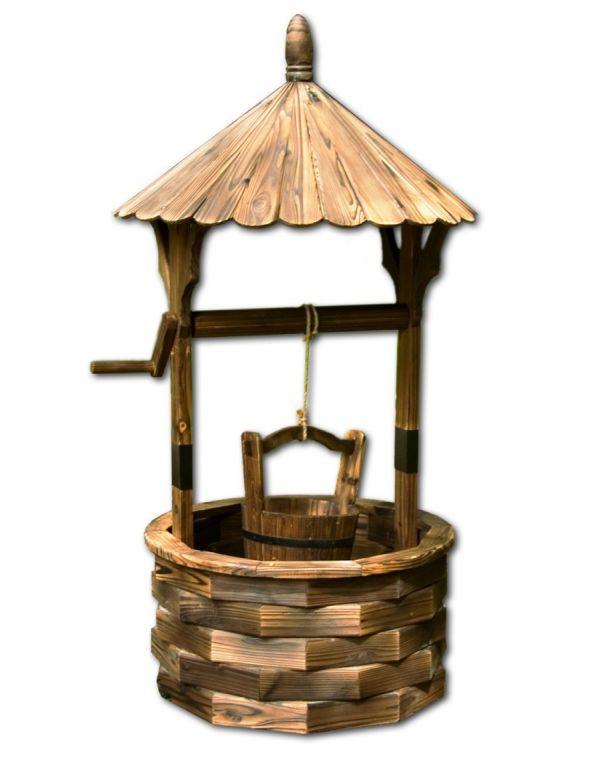 Záhradná dekorácia - drevená studňa