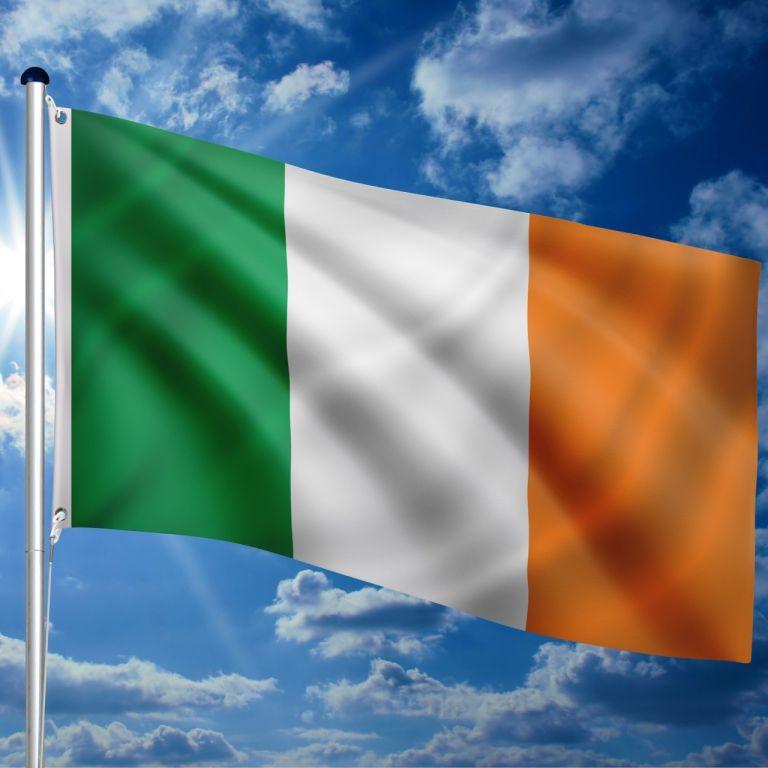 Vlajkový stožiar vrátane vlajky Írsko  - 650 cm