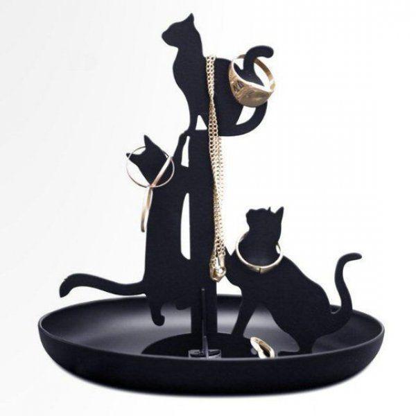 Šperkovnica plná mačiek