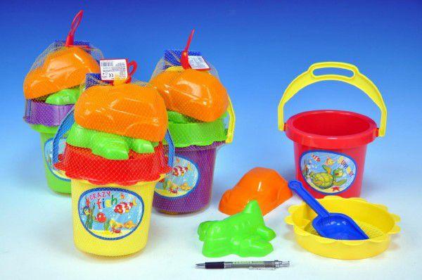 Sada na písek - kbelík, sítko, lopatka, 2 bábovky plast asst 4 barvy v síťce 13x26x13cm 18