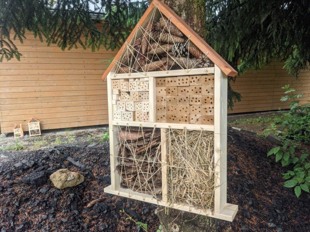Hmyzí hotel - domček pre prospešný hmyz IV.