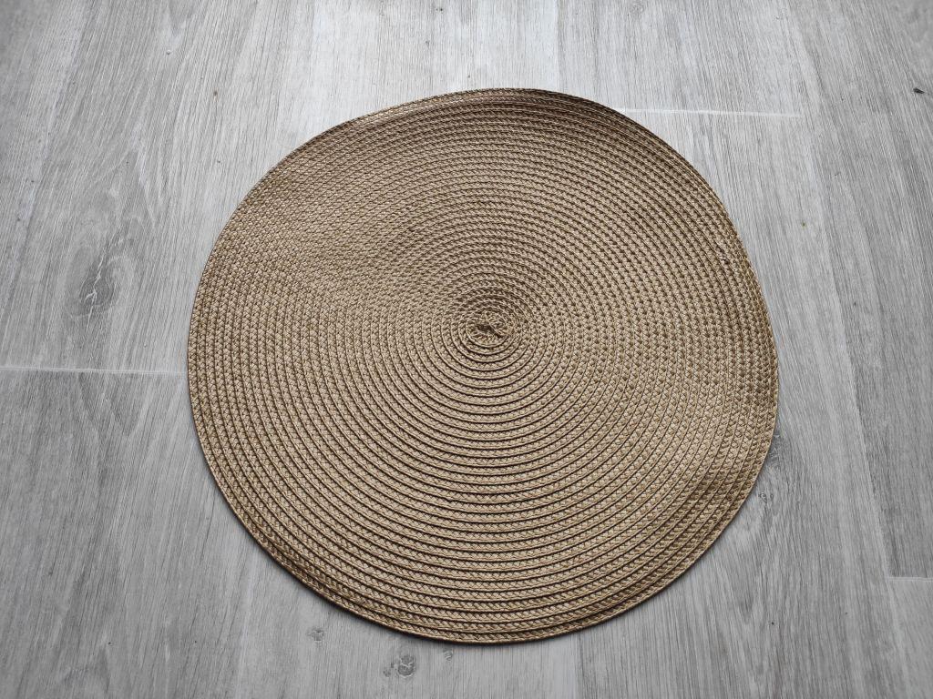 Prestieranie okrúhle 35 cm - oriešok