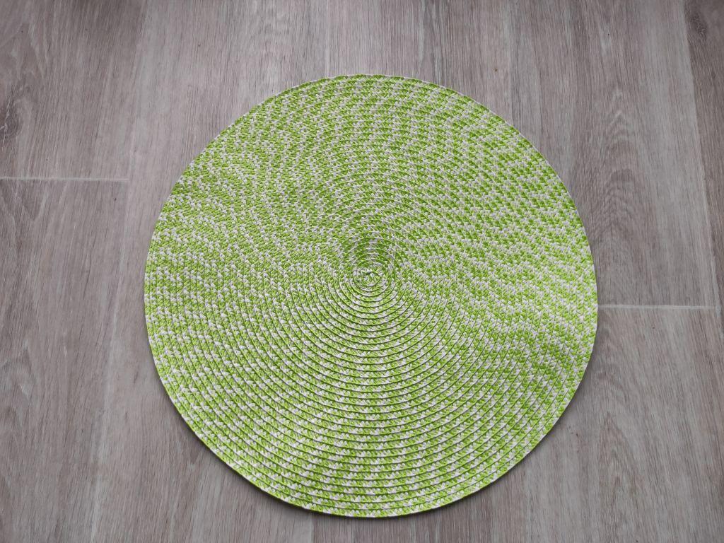 Prestieranie okrúhle 38 cm - zelenobiele