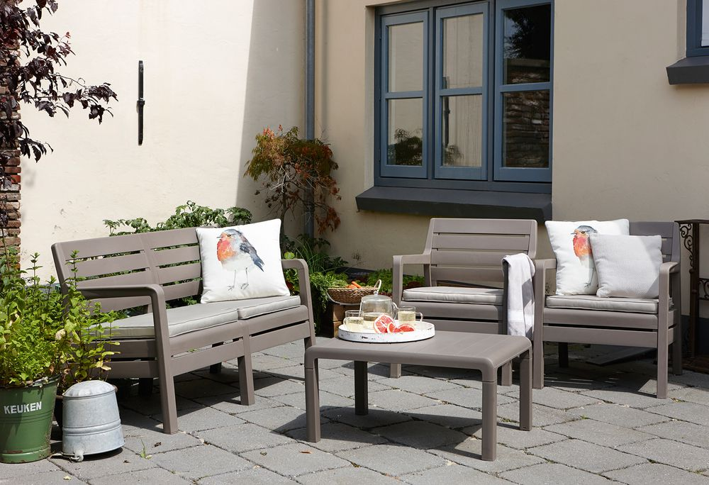 f68fb80c7d1d Plastový set Delano je ideální posezení na zahradu či terasu ...