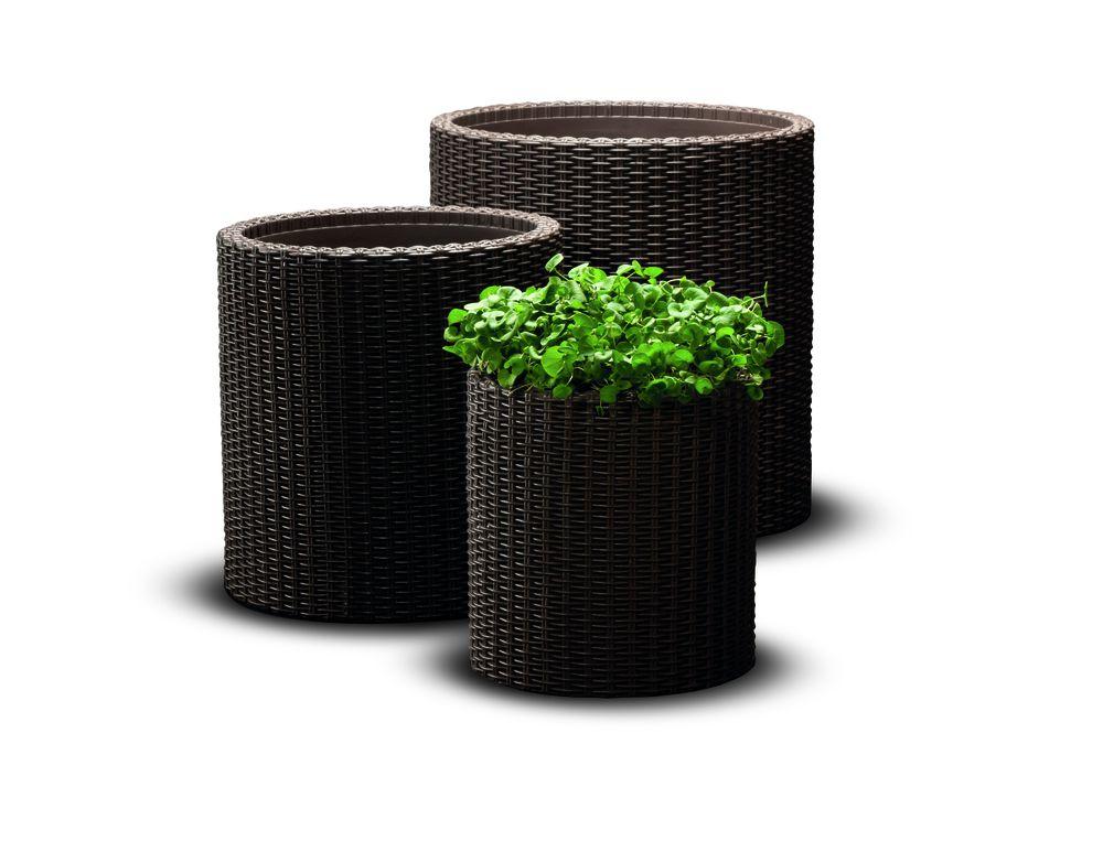 Kvetináč ratanového vzhľadu plastový – M – hnedý